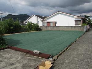 草刈り後に防草シートの施工サービス