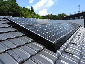 ソーラー 屋根 落ち葉 掃除