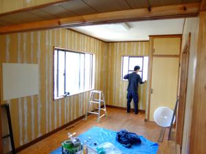 戸建て住宅の壁紙張り替工事
