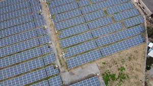 太陽光発電施設をドローンで撮影(空撮)