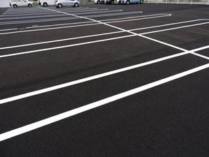 駐車場ライン引きも致します
