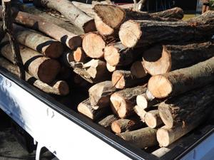 薪の製造、販売も致しております