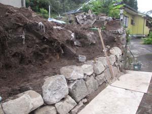 大雨災害 外構工事 ブロック積み中4